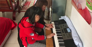 晓霞聋儿语训中心视频